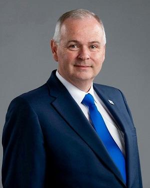 Geoff White1